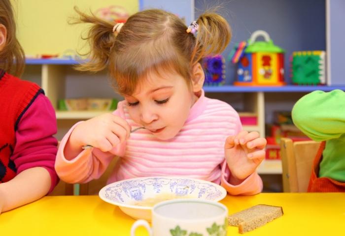 детский сад кушать (700x480, 315Kb)