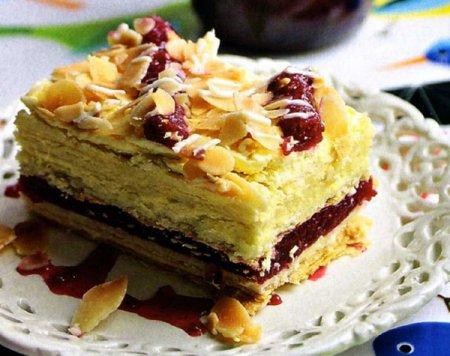 торт с малиновым вареньем (450x356, 171Kb)