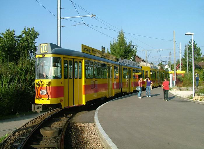 базельский трамвай фото 4 (700x512, 442Kb)