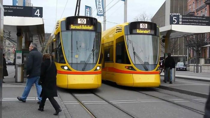 базельский трамвай фото 5 (700x393, 249Kb)