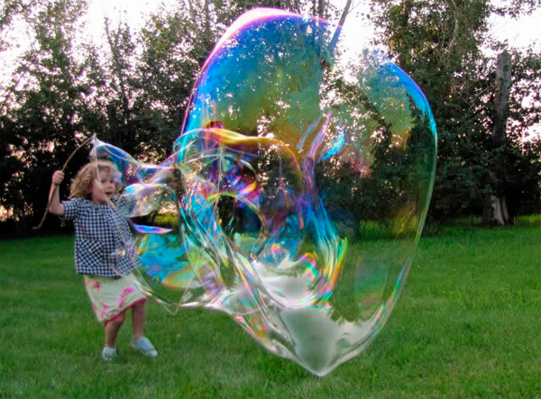 Как сделать мыльный пузырь который не лопается без глицерина
