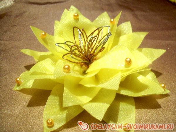 Цветы из органзы своими руками с фото