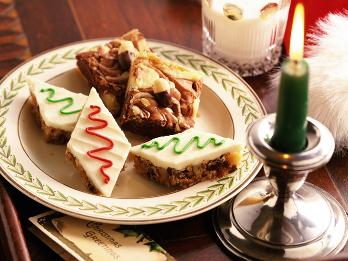 Food_Cakes_and_loaf_Festive_feast_011876_ (700x525, 135Kb)