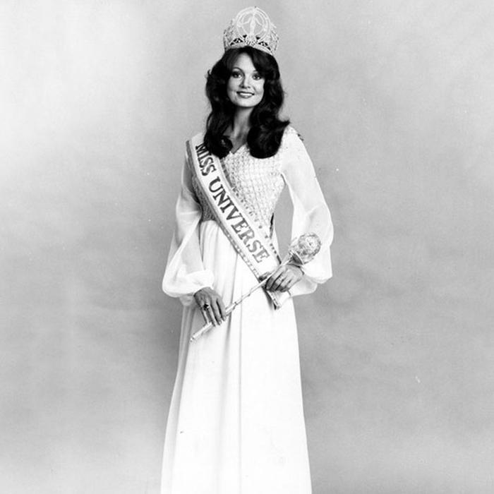 Керри Энн Уэллс, Австралия. «Мисс Вселенная — 1972». 20 лет, рост 178 см. (700x700, 176Kb)