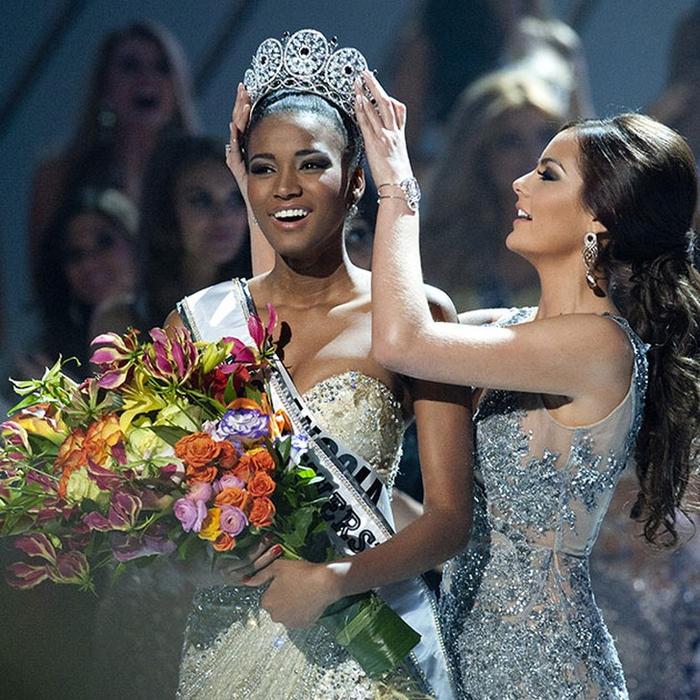 Лейла Лопес, Ангола. «Мисс Вселенная — 2011». 25 лет, рост 179 см, параметры фигуры 89−60−90. (700x700, 559Kb)