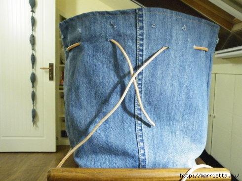 Сумка в спортивном стиле из старых джинсов (8) (490x367, 115Kb)