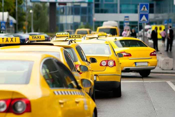 5689873_1394011067_taximoscow (700x466, 88Kb)