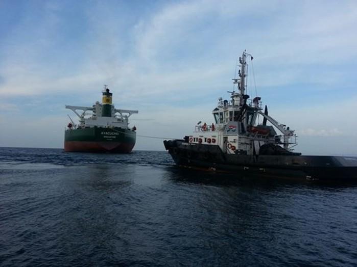 Фото. Морские танкеры с нефтью
