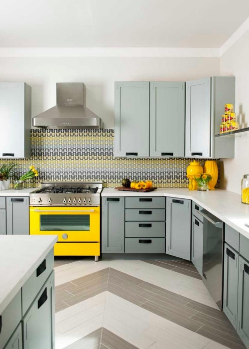 Denise-McGaha_Colorful-Kitchens-Modern-Rustic-Living_Yellow-Stove.jpg.rend.hgtvcom.966.1352 (500x700, 181Kb)