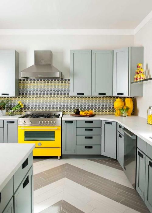 Denise-McGaha_Colorful-Kitchens-Modern-Rustic-Living_Yellow-Stove.jpg.rend.hgtvcom.966.1352 (500x700, 181Kb)