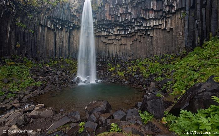 чёрный водопад исландия (700x437, 340Kb)