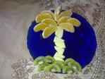 Пальма из фруктов.