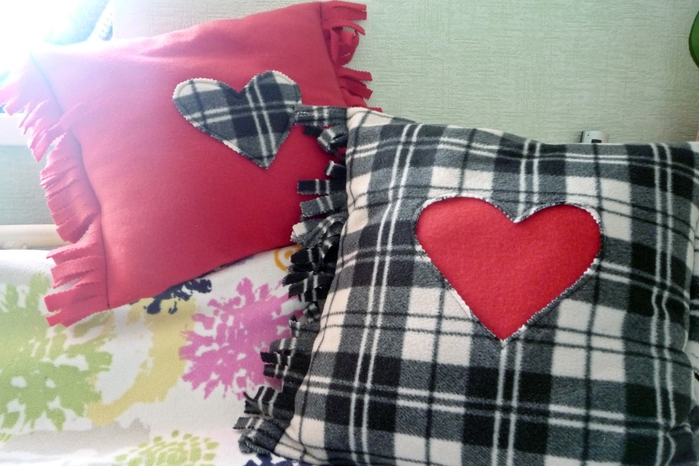 Как сшить подушку своими руками без швейной машинки 58