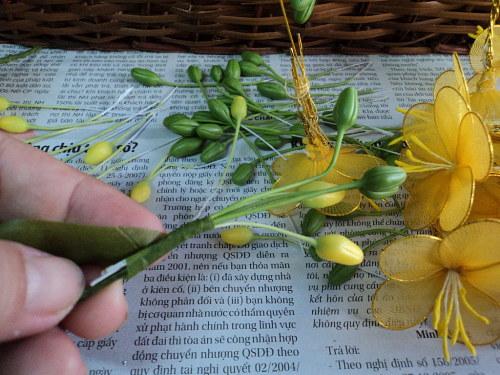 Изготовление цветов из капрона