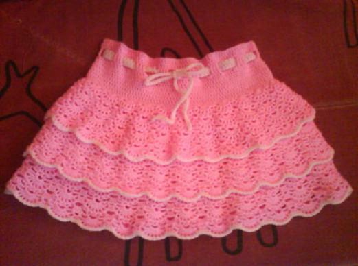 """На нашем сайте для девушек  """"Дамочка """" Вы в любое время найдете новость - схема вязание крючком детской юбки..."""