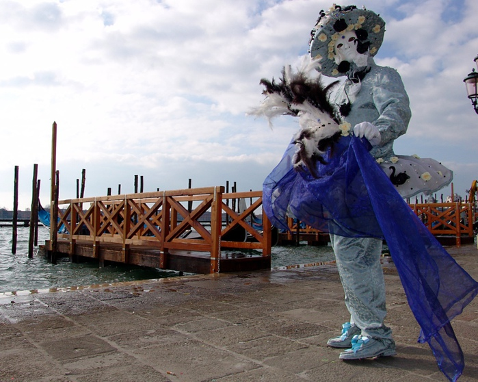Venice_Carnival_Costumes-03 (700x558, 172Kb)