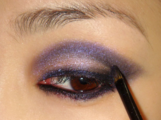 pink-blue-smoky-eye-makeup-tutorial-step5 (550x412, 45Kb)
