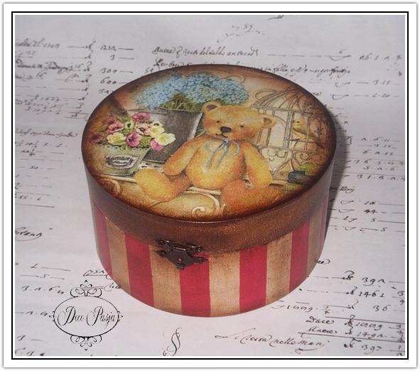 szkatułka z misiem okrągła (591x522, 102Kb)