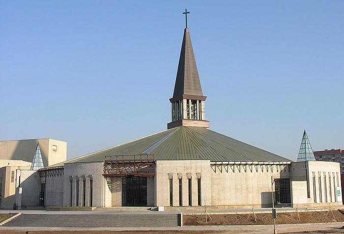 Современная храмовая архитектура 18 (700x476, 76Kb)
