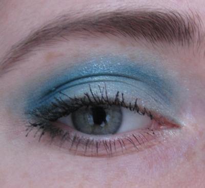 Guerlain 12 Les Aqua-Make-Up1/3388503_Guerlain_12_Les_AquaMakeUp1_2 (400x366, 155Kb)
