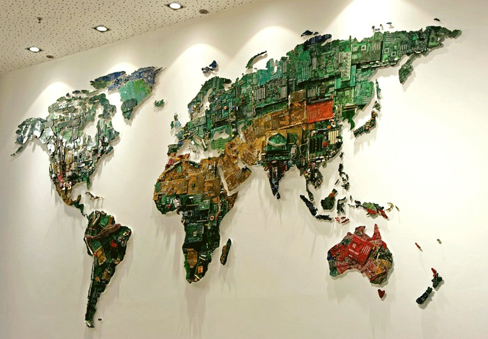 3925073_Recycled_Computers_World_Map_2 (700x487, 127Kb)