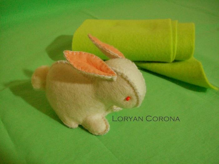 Coniglietto di panno - L Corona (700x525, 249Kb)