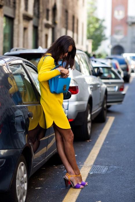 Модные женщины на улице