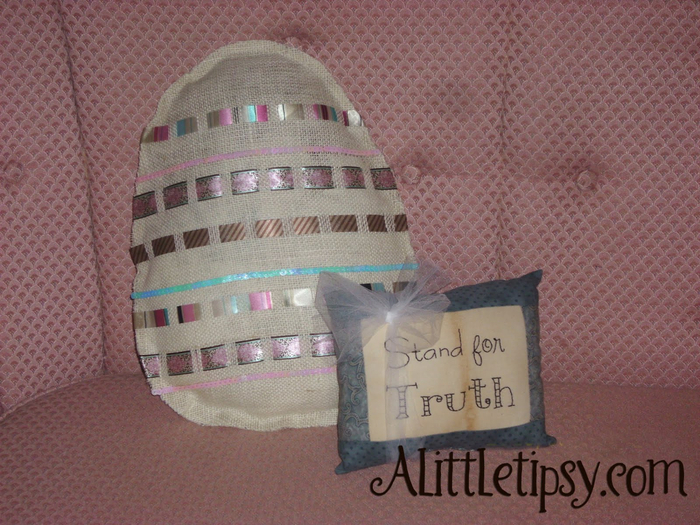 Easter Egg Pillow made from Burlap and ribbon (700x525, 461Kb)