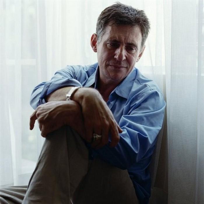 Плачущие мужчины фотографа Сэм Тэйлор-Вуд - Gabriel Byrne (700x700, 81Kb)
