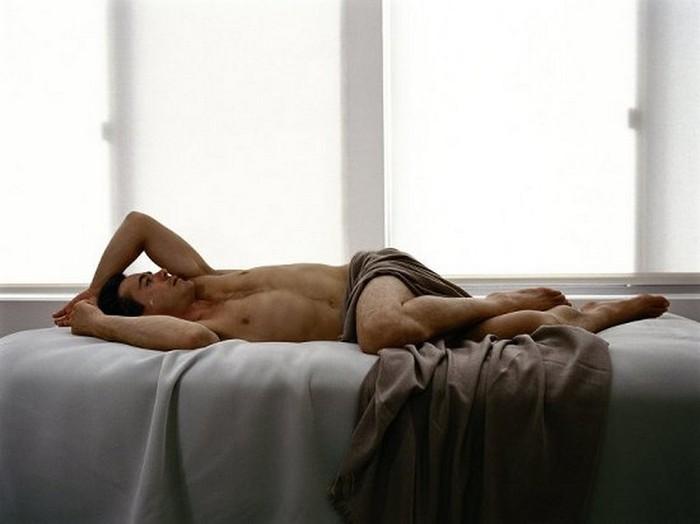 Плачущие мужчины фотографа Сэм Тэйлор-Вуд - Robert Downey Jr (700x524, 44Kb)