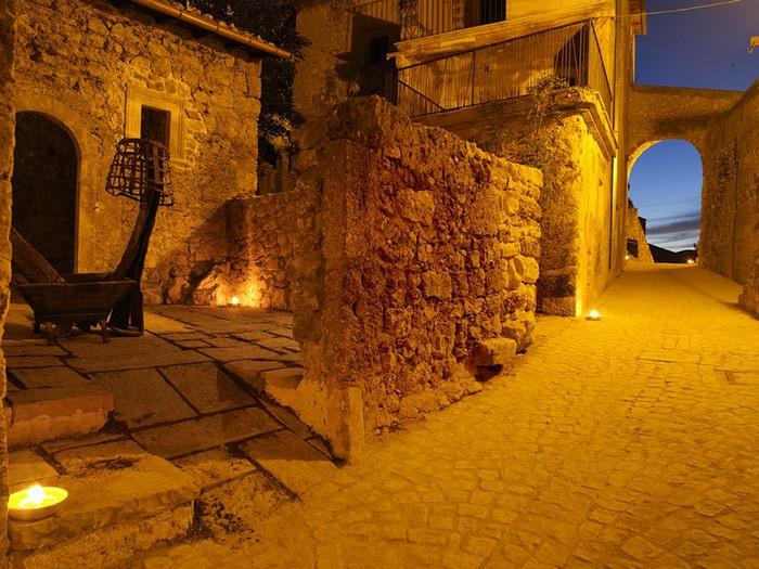 Итальянский эко-отель Albergo Diffuso Santo Stefano di Sessanio 13 (700x525, 134Kb)