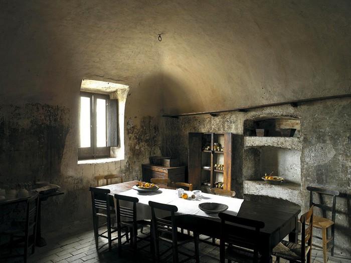 Итальянский эко-отель Albergo Diffuso Santo Stefano di Sessanio 22 (700x525, 93Kb)