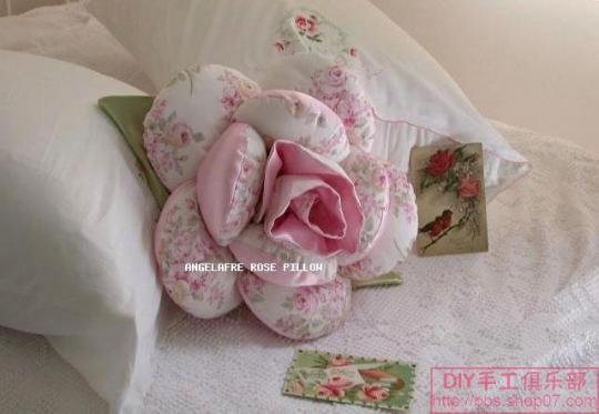 Подушка - роза