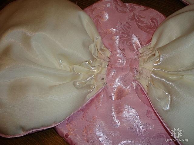 Декоративная диванная подушка своими руками фото