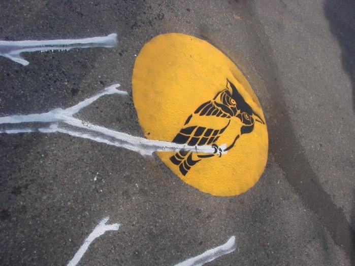 Граффити стрит-арт художника Roadsworth 30 (700x525, 103Kb)