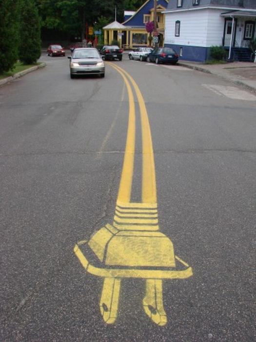 Граффити стрит-арт художника Roadsworth 36 (525x700, 320Kb)