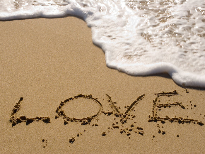 love_water_beach (700x525, 117Kb)