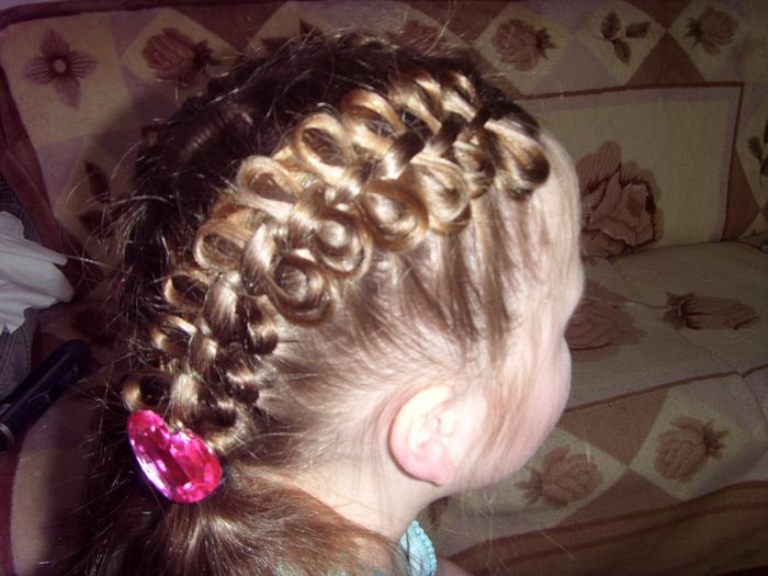Как сделать на голове из волос косички а на косичках бантики