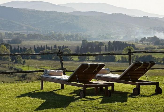 Солнечный тосканский стиль интерьера гостиницы Conti di San Bonifacio 5 (700x476, 104Kb)