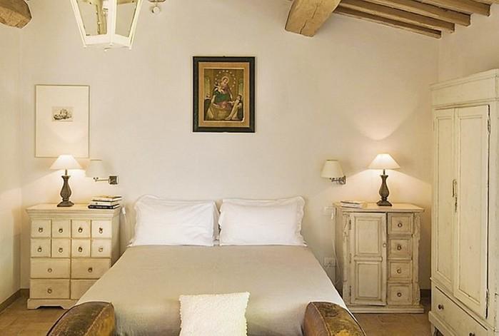 Солнечный тосканский стиль интерьера гостиницы Conti di San Bonifacio 15 (700x471, 62Kb)