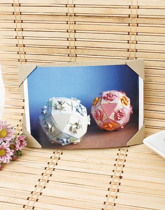 Для фотографии можно сделать рамку из картона, в технике оригами.  Фото мастер-класс - под катом.