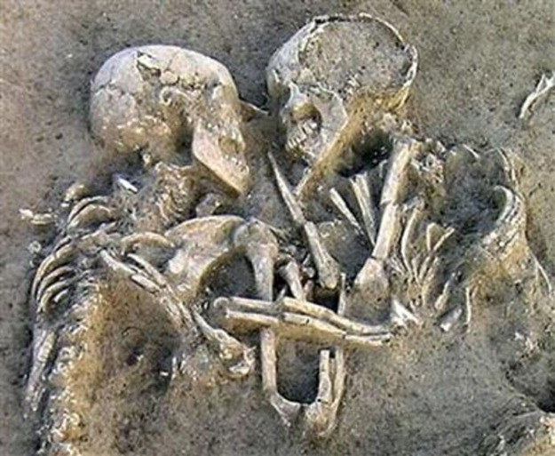 смерть во время секса/3185107_lubov_do_groba (625x513, 117Kb)