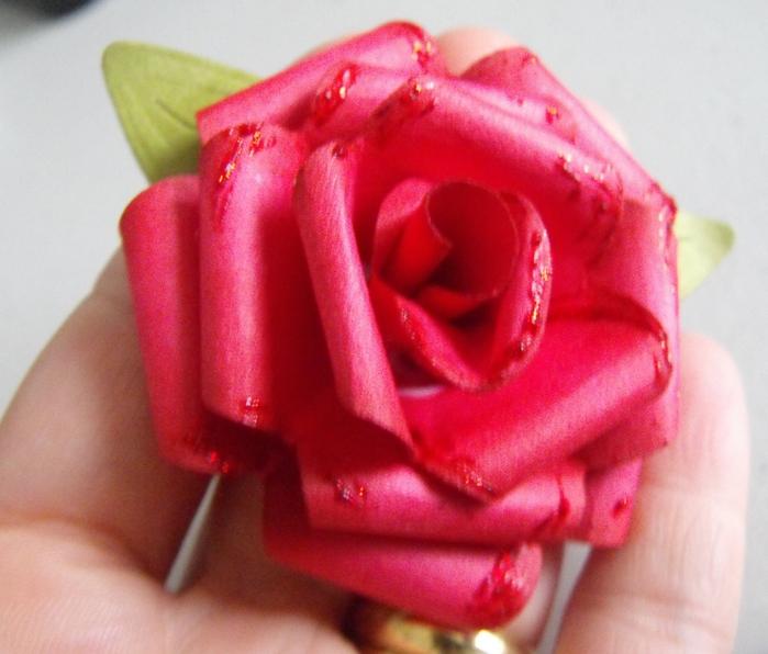 Человек своими руками роза