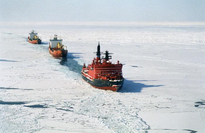 Камчатку укрепили на Севморпути. Транзитные перевозки станут возможны при наличии флота и льгот