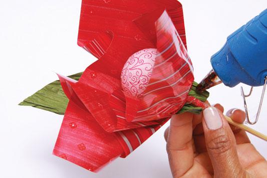 1333388741_buquevermelho-chocolate_passo08_30-03-12 (533x355, 41Kb)