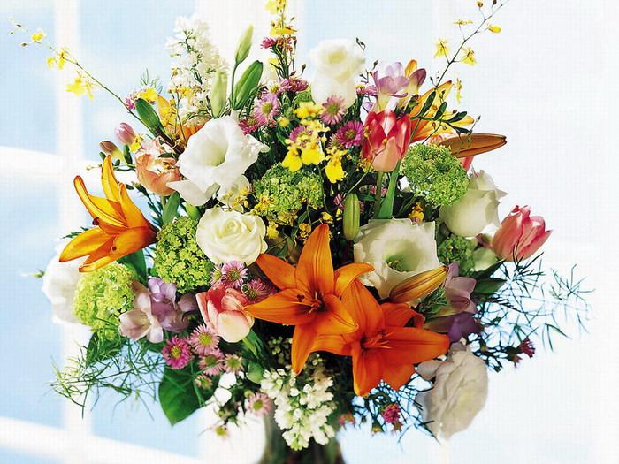 Дорогие мужчины! Хотите любви и признания женщин – дарите им цветы!