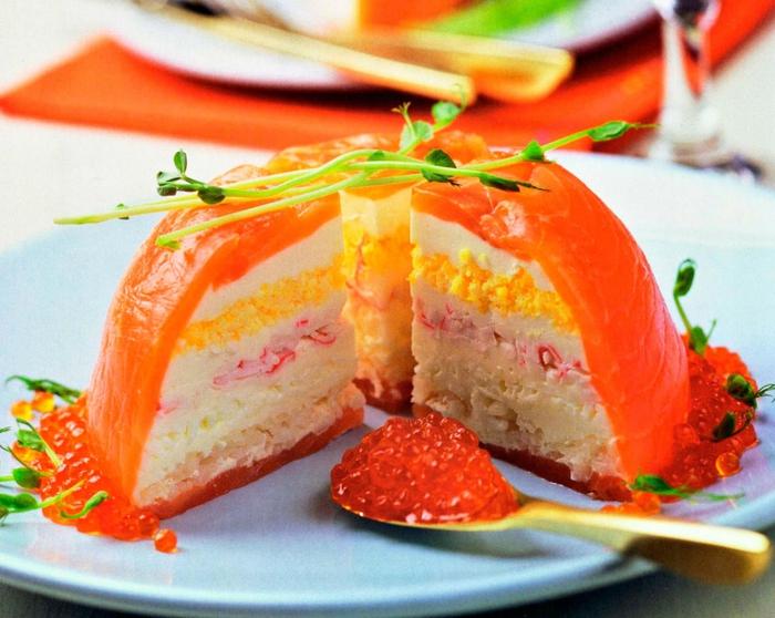 Торт с красной рыбой