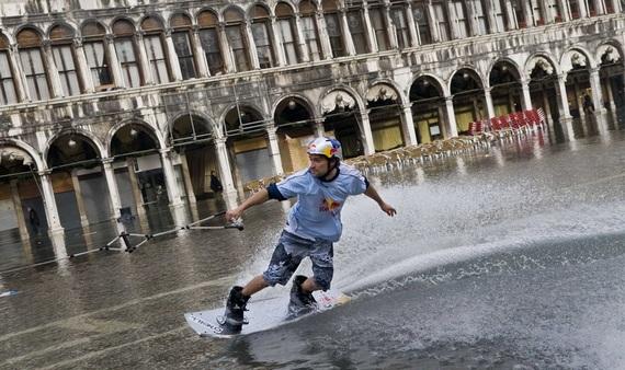венеция наводнение 4 (570x338, 105Kb)
