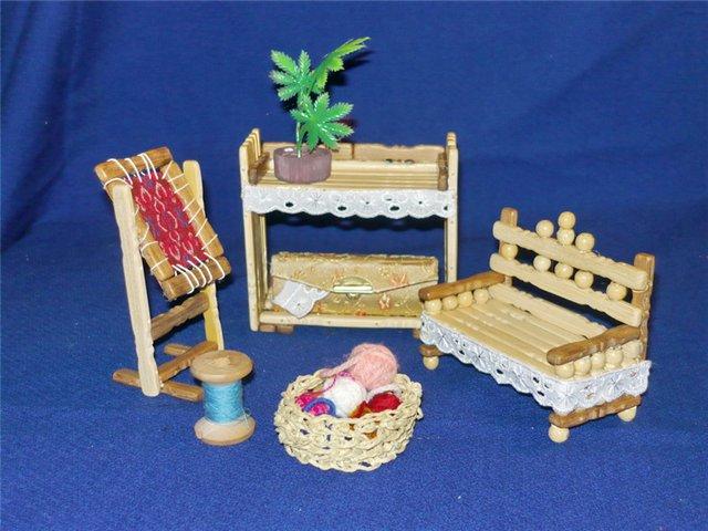 Игрушечная мини-мебель в бумажных аппликациях и поделках