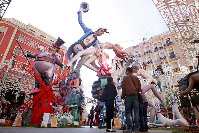 фестиваль Лас–Фальяс в Валенсии